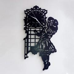 Kız Silüetli Saat