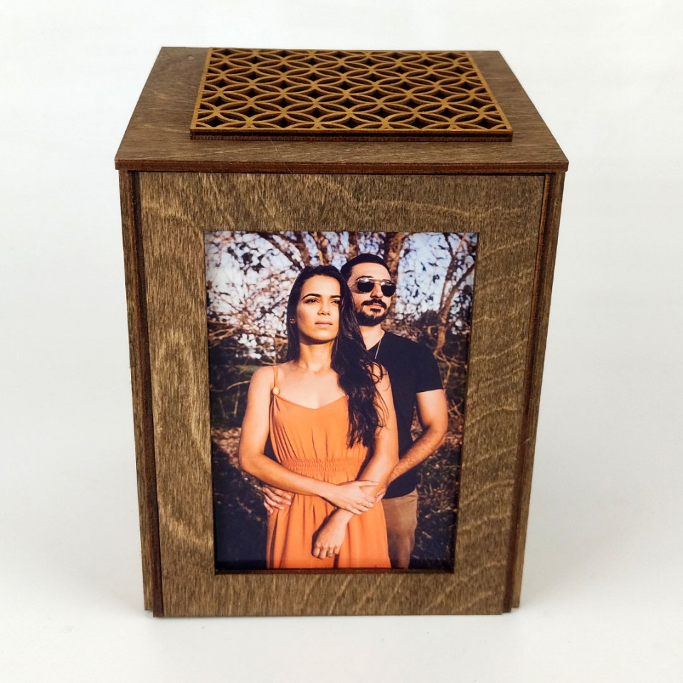Sevgiliye Özel Fotoğraflı Ahşap Hediye Kutusu Model 2